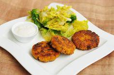 Karotten-Zucchini-Hirse-Laibchen mit Knoblauchdip Zucchini, Tandoori Chicken, Salmon Burgers, Food Inspiration, New Recipes, Baked Potato, Lunch, Vegetables, Healthy