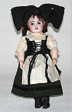 semaine de suzette 1915 fr Old Dolls, Antique Dolls, Folk Costume, Costumes, Little Dolly, Puppet Toys, Girls Magazine, Vintage Paper Dolls, Dollhouse Dolls