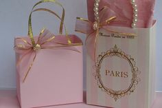 Paris party favor bags in pink and gold by SandysCandyBags on Etsy Paris Themed Cakes, Paper Folding Crafts, Paper Purse, Party Favor Bags, Favor Boxes, Paris Party, Craft Bags, Unique Wedding Favors, 50th Birthday Party