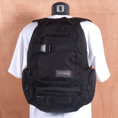 Dakine Daytripper 30L Black Backpack