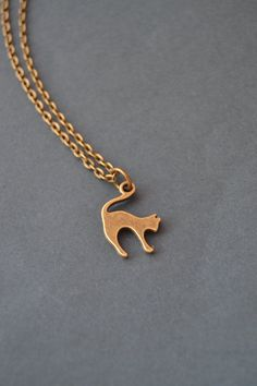 Dainty cat necklace bronze cat necklace tiny by Valkyrie´s Song