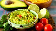 Avokádové guacamole: Dokonalý základní recept s tipy, jak ho ještě vylepšit Avocado Creme, Avocado Dip, Good Healthy Recipes, Healthy Treats, Healthy Eating, Dip Recipes, Mexican Food Recipes, Free Recipes, Ethnic Recipes