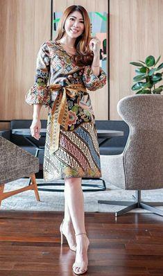 Batik Dress, Kebaya, Wardrobes, Designer Dresses, How To Look Better, Cool Outfits, High Neck Dress, Silhouettes, Model