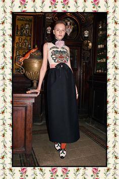 Gucci apresenta pre-fall com patchwork de florais e animal prints - Vogue | Desfiles