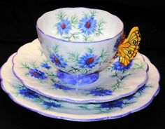 AYNSLEY BUTTERFLY HANDLE LOVE IN THE MIST MAUVE TEA CUP AND SAUCER TRIO PLATE