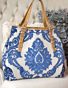 Glenda Gies Handbag in Lilly Blue Damask: I ♥ this bag! Too bad I can't see myself ever paying that much for a purse. :(