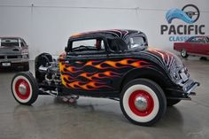 American Hot Rod | 1932 Ford 3 window coupe 350 / 6 94's / 4 speed / 9 inch / traditional hot rod!