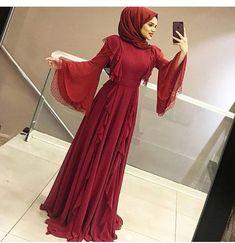 Bordo aşkına❤️❤️❤️ 400 Tl Islamic Fashion, Muslim Fashion, Modest Fashion, Hijab Fashion, Fashion Dresses, Hijab Prom Dress, Muslim Dress, Dress Outfits, Hijab Elegante