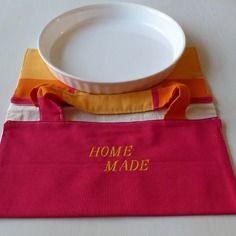 "Sac à tarte en tissu fuchsia,jaune et orange brodé ""home made"" pour plat ""28/30cm"""