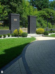 Perfect Inspiring Fence Gate For Your Design Inspiration Balcony Herb Gardens, Back Gardens, Fence Design, Garden Design, Patio Images, Modern Front Yard, Garden Deco, Exterior, Garden Gates