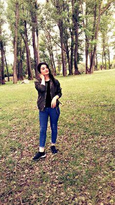 Anupriya Cute Girl Poses, Girl Photo Poses, Girl Photography Poses, Girl Photos, Cute Girl Face, Cute Girl Photo, Girls Dp Stylish, Fake Girls, Girl Hijab