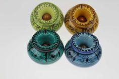 Joli lot de deux cendriers marocains fabriqués dans la ville de Safi, connue par…