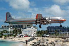 FlightAware > Photo of Douglas DC-7 (N381AA)