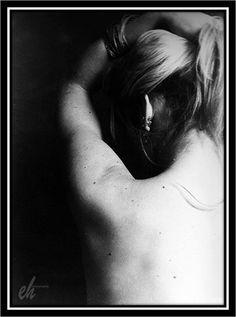 seduction White Iris, Photographs And Memories, Blond, Black And White, Photography, Black White, Fotografie, Blanco Y Negro, Photograph