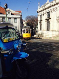 Encontre-nos nos cantos mais bonitos de Lisboa. Find us on the most beautiful corners of Lisbon. #Lisboa #Lisbon #Lisbone #SédeLisboa #LisbonsCathedral #28Tram #Elétrico28
