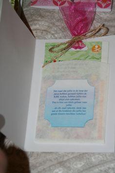 30 - jarig bestaan KBK attentie Zakjes met bloemzaadjes in een gevouwen koffiefilter zakje met passende tekst.