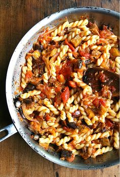 Chez Panisse Eggplant, Caramelized Onion and Tomato Pasta by alexandraskitchen: Roasted eggplant, caramelized onions, fresh tomato sauce and a hint of sherry vinegar combine to make this pasta dish truly fantastic. #Pasta #Eggplant