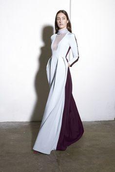 la robe monacale de barbara casasola longue blanche bordeaux décolleté