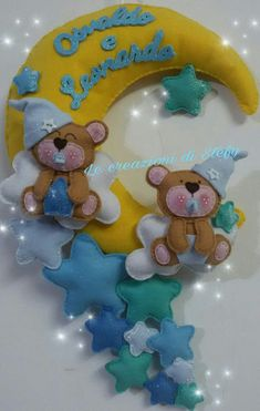 Felt Banner, Baby Sewing Projects, Felt Art, Baby Cards, Felt Crafts, Baby Pictures, Mobiles, Smurfs, Applique