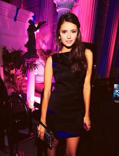 Find images and videos about the vampire diaries, tvd and Nina Dobrev on We Heart It - the app to get lost in what you love. Katherine Pierce, Elena Gilbert, Nina Dobrev Style, Nikolina Konstantinova Dobreva, Winter Typ, Idole, Hot Brunette, Star Wars, Celebs
