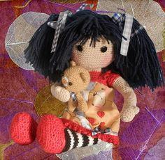 Patrón amigurumi de muñeca Gorjuss con osito