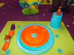 Love the place setting and Scooby ring on the napkins. Also need to look for the Scooby soap and Scooby magnet crafts for party favors! 18th Birthday Party Themes, Birthday Fun, Scooby Doo Birthday Cake, Birthday Ideas, Frozen Birthday, Bolo Scooby Doo, Pokemon, Party Favors, Haunted Mansion