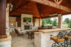 Loving this beautiful outdoors patio, perfect for grilling and entertaining guests!  #NEWHOMESAPEXNC  https://ncfhaexpert.com/first-time-homebuyer/construction-loan-finance-new-home/