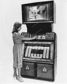Jukebox Video Music Entertainment Center Vintage Reprint Of Old Photo Video Vintage, Vintage Tv, Sausage Stuffed Zucchini, Lemon Chicken Orzo Soup, Spaghetti And Meatballs, Today Show, Easy Healthy Dinners, Pinterest Recipes, Breakfast For Kids
