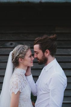 Beautiful little indie couple- her dress and hair are absolutely stunning gorgeous.