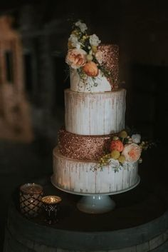 45 Chic and Classy Wedding Cake Inspiration - Fab Wedding Dress, Nail art designs, Hair colors , Cakes Wedding Cake Roses, Wedding Cake Rustic, Wedding Cake Toppers, Copper Wedding Cake, Gold Wedding, Bouquet Wedding, Wedding Shit, Beautiful Wedding Cakes, Beautiful Cakes