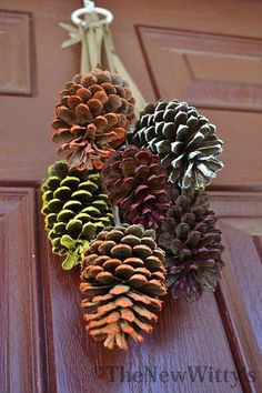 Pinecone Door Decor for Thanksgiving