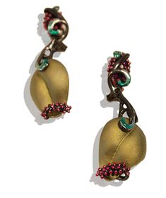 JOSE MARIN ENTANGLED IN THE LEAF  Earrings. Titanium, sterling silver, lacquer