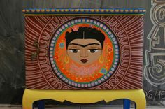 Mesa de luz estilo mexicano.
