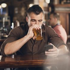 Start Your Holiday Shopping With A Drunk Text: Because when you live in America, you can get drunk and shop from your phone on Black Friday.
