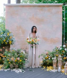 Micro weddings are trending now, and are the perfect middleground between elopements and average weddings. Explore this fresh wedding alternative. Wedding Dinner, Wedding Ceremony, Wedding Church, 1920s Wedding, Spring Wedding, Wedding Trends, Wedding Designs, Wedding Ideas, Bridal Portrait Poses