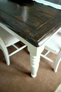 i LOVE this gorgeous tabletop! I love the contrast of the dark natural wood stain and the white paint, it's just fantastic.  crafts DIY 2014 Modern
