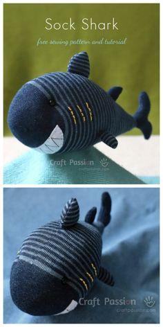 Patrón y tutorial de costura DIY Sock Unicorn Whale Free Plushie Patterns, Animal Sewing Patterns, Stuffed Animal Patterns, Sewing Patterns Free, Free Sewing, Sewing Tutorials, Crochet Patterns, Pattern Sewing, Bear Patterns