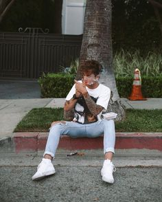Closed) kian:: I was sitting outside my house, smoking. I had forgotten you were coming, I try to keep from doing it when your around, since you thought I had quit. You walk out and see me. I don't notice you until you...