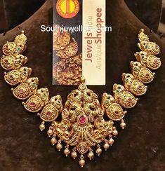 Gold Jewelry Design In India 1 Gram Gold Jewellery, Real Gold Jewelry, Gold Jewellery Design, Indian Wedding Jewelry, Indian Jewelry, Bridal Jewelry, Indian Weddings, Gold Jhumka Earrings, Gold Earrings Designs