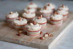 Peanut Butter Banana Cupcakes Recipe. No surprise, these cupcakes are delicious! #delicious #cupcake #recipe