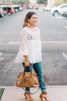 floral top outfit #ssCollective #ShopStyleCollective #MyShopStyle #ootd #levis