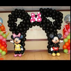 Mickey & Minnie Mouse Balloon Arch by beatrice