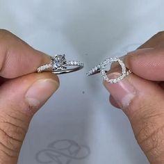 Handmade Engagement Rings, Round Diamond Engagement Rings, Beautiful Engagement Rings, Engagement Ring Cuts, Beautiful Rings, Wedding Rings Vintage, Wedding Ring Bands, Wedding Jewelry, Couple Ring Design