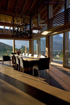 Chalet Solais – Swiss luxury ski chalet perched above the clouds in Villars, with Sir Norman Foster's architecture and Callender Howorth's interior design. Chalet Style, Ski Chalet, Norman Foster, Above The Clouds, Winter Warmers, Cosy, Cottage, Rustic, Interior Design