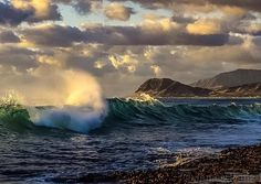 Mahalo to James Grenz for sharing this outstanding photo from Oahu with us for Aloha Friday Photos. What a wonderfully composed and perfectly timed shot. Happy Aloha Friday!