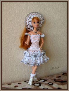 Blog o Barbie Fashionistas firmy Mattel, próbach tworzenia dla nich ubrań oraz o sztuce fotografii: Przygotowania do Mikołajek :-)