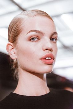 Tom Ford's Neutral, Glowy Fall 2016 Beauty Look