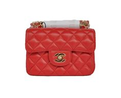 Chanel mini flap in red leather with gold hardware, 17 x 15 x 7cm