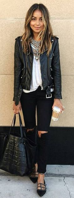#spring #summer #street #style #outfitideas | Black And White Classy Street Style Source