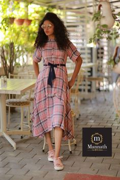 Swans Style is the top online fashion store for women. Shop sexy club dresses, jeans, shoes, bodysuits, skirts and more. Simple Dresses, Casual Dresses, Casual Outfits, Kurta Designs, Blouse Designs, Casual Frocks, Modest Fashion, Fashion Dresses, Ethnic Dress